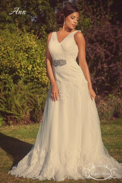 Ann art deco Wedding Dress. fit and flare wedding dress