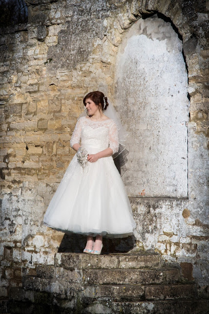 Estilo Moda Testimonials, Wedding Dress Designer Milton Keynes, Tea Length Wedding Dress, 50s style wedding dress, Vintage wedding dress, blue petticoat tea length wedding dress