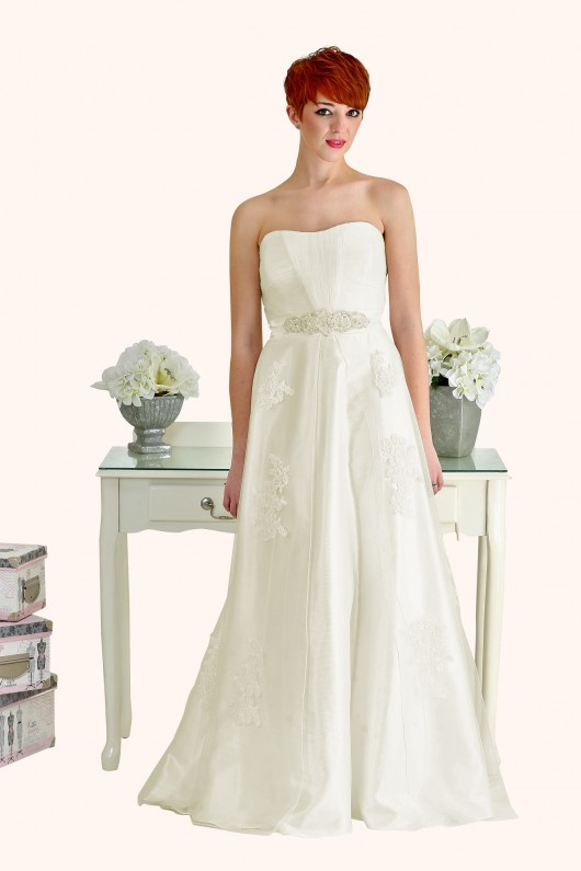 Milton Keynes Estilo Moda Bridal - Bespoke Wedding Dress Designer - Betty Curved sweetheart neckline lace and tulle A-line wedding dress-Cheap Affordable wedding dress, strapless lace a line wedding dress