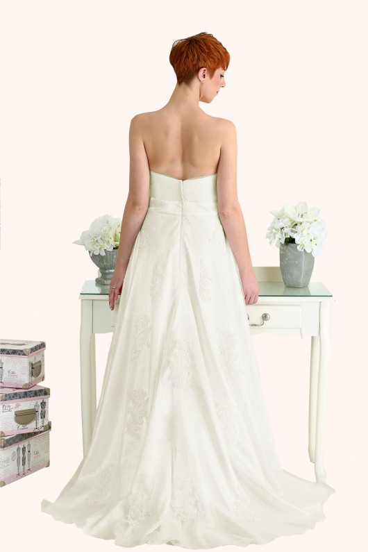 Milton Keynes Estilo Moda Bridal - Bespoke Wedding Dress Designer - Betty Curved sweetheart neckline lace and tulle A-line wedding dress-Cheap Affordable wedding dress back, strapless lace a line wedding dress