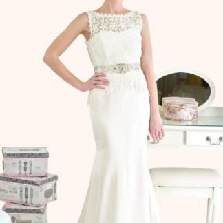 Wedding Dress Sample Sale Bateau neckline guipure lace wedding dress - Estilo Moda Wedding Dresses Milton Keynes