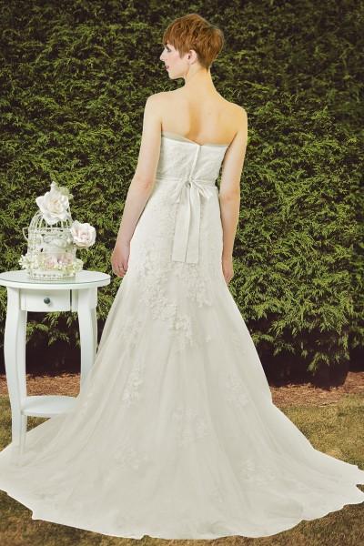 Estilo Moda Bridal - Bespoke Wedding Dress Designer - Katie Strapless lace fit and flare mermaid wedding dress